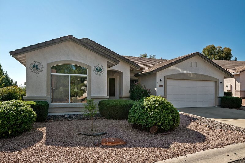 Just Listed! Great Cottonwood Location! Community Pool & Hot Tub! Bronco - S021, vacation rental in Jerome