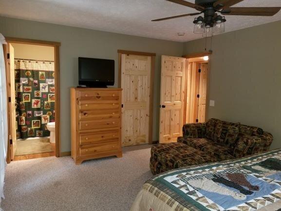 Bear Creek Lodge, holiday rental in Reedsville