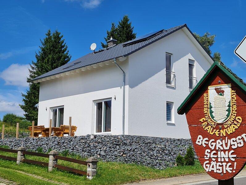 Ferienhaus Victoria - mit Kamin in Frauenwald am Rennsteig, casa vacanza a Neustadt am Rennsteig