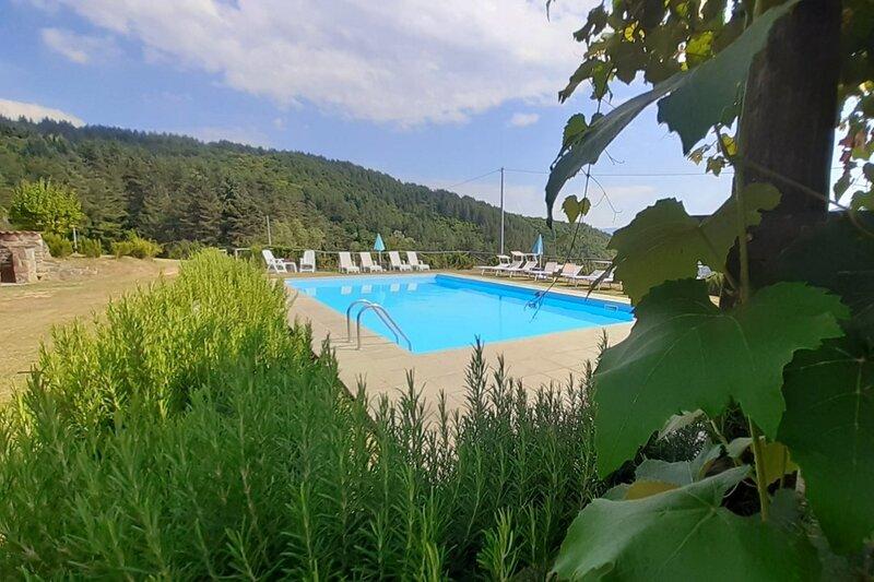 New 2022, Converted farmhouse, Eleonora, 7 bedrooms, 6 bathrooms, mountain views, holiday rental in Careggine