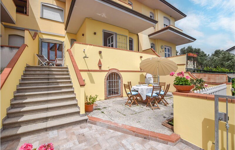Amazing home in Bargecchia with WiFi (ITV020), holiday rental in Stiava