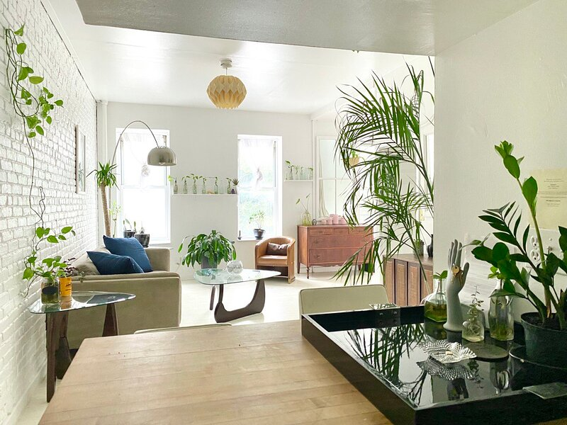 Sunny bright 2 bedrooms in the Heart of Manhattan in vibrant East Village, vakantiewoning in New York