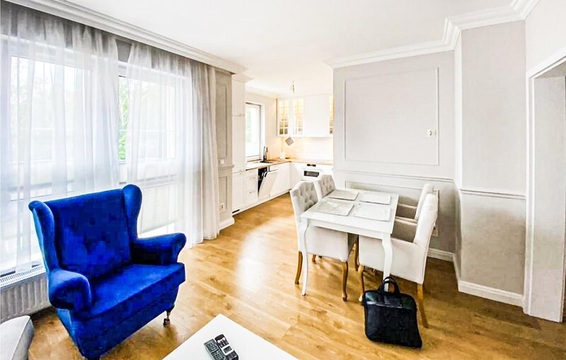 Stunning apartment in Szczecin with WiFi and 2 Bedrooms (PPO308), casa vacanza a Bruessow