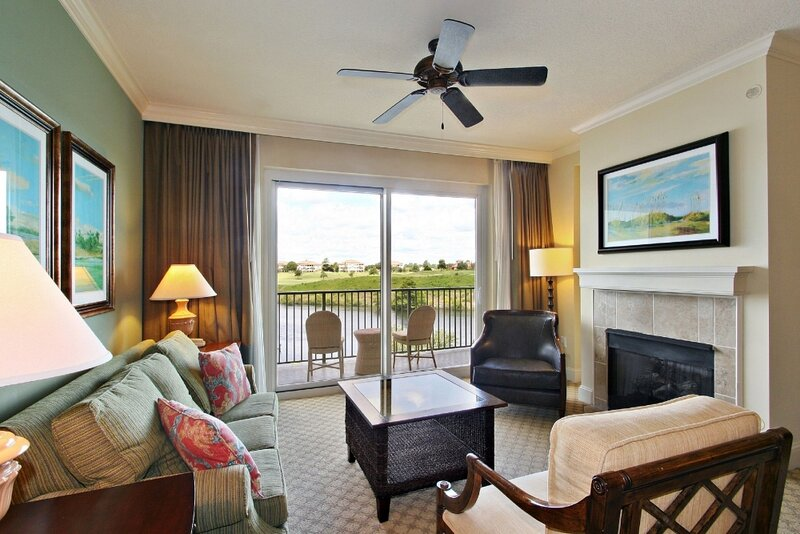 1BR Premium Suite Marina Inn – semesterbostad i Arcadian Shores