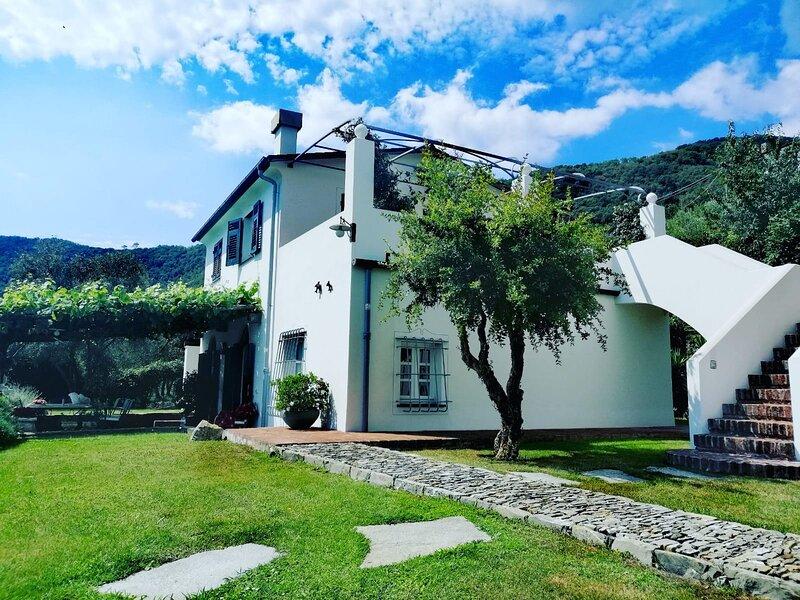 PARADISE  4-Bed House Santa Margherita - PORTOFINO, aluguéis de temporada em Ruta