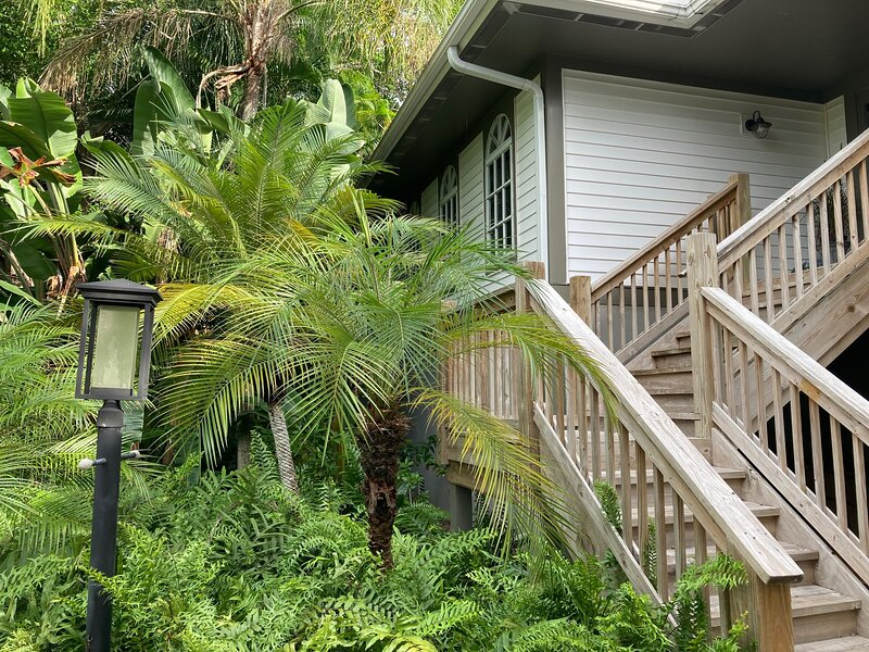 Tropical & tranquil - Sanibel Island vacation home awaits your arrival., alquiler de vacaciones en Isla de Sanibel