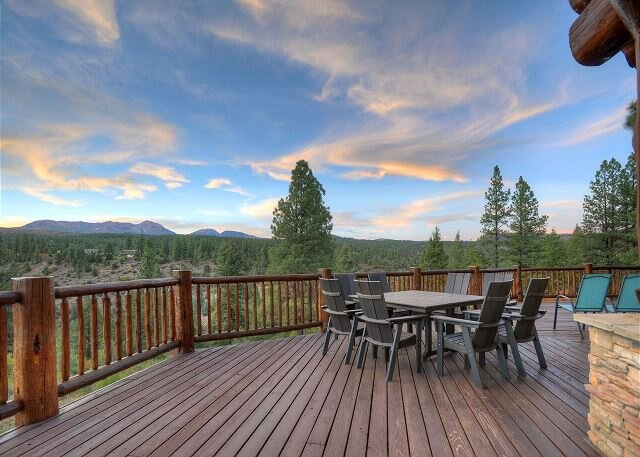 Luxury Log home on 40 Acres - Awesome Views and Decks - 7 Min to Durango, holiday rental in Hesperus
