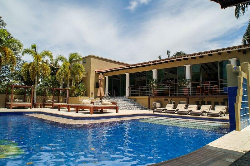 Pts001 - Wonderful vacation home in Puerto Salgar, holiday rental in La Dorada