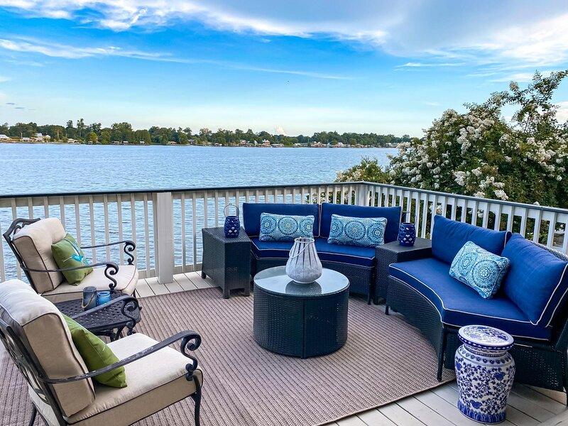 Beautiful 3 Story Home with Panoramic Views, holiday rental in Weyanoke