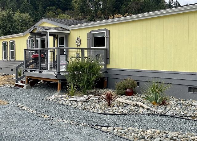 3 bed2, 2 bath dog friendly home just 100 yards away from beach (296), holiday rental in Coupeville