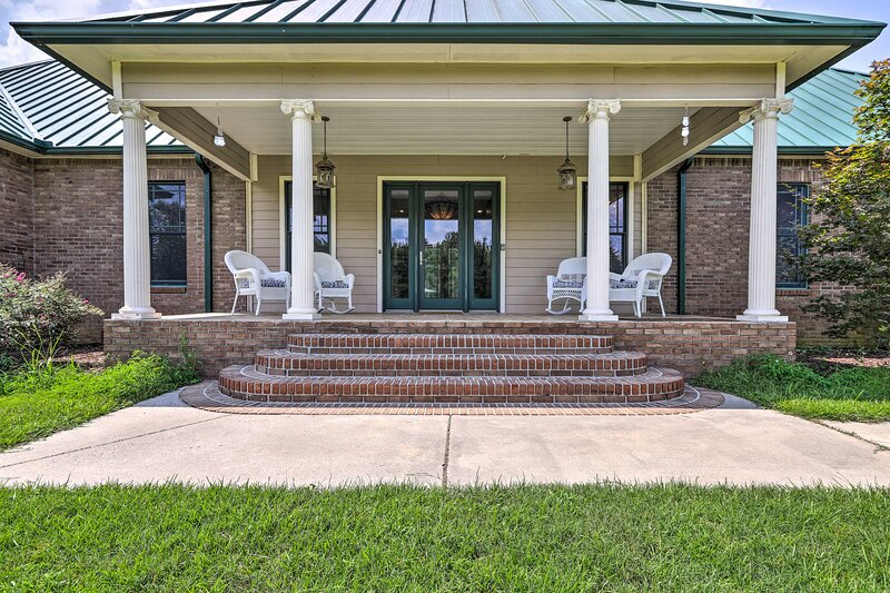 NEW! Spacious Elko Home - 6 Mi to GA Fairgrounds!, holiday rental in Fort Valley