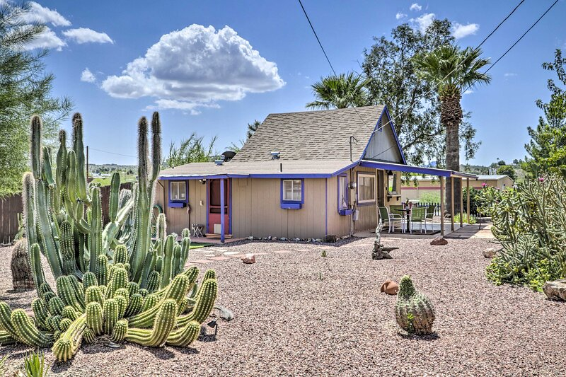 NEW! Cozy Wickenburg Abode: Explore the Wild West!, vacation rental in Morristown
