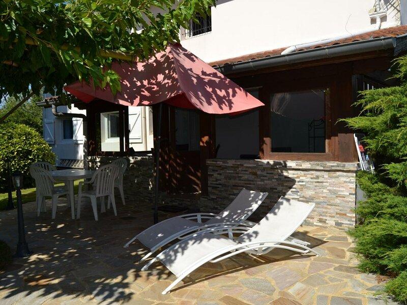 Villa Caprice, location de vacances à Lahonce