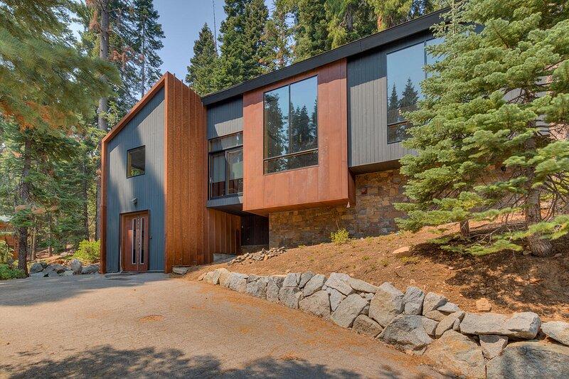 Mod Haus on the West Shore, location de vacances à Homewood