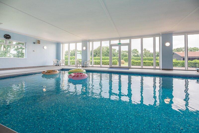 Grove Farm Bungalow with swimming pool Dallinghoo Air Manage Suffolk, alquiler vacacional en Wickham Market
