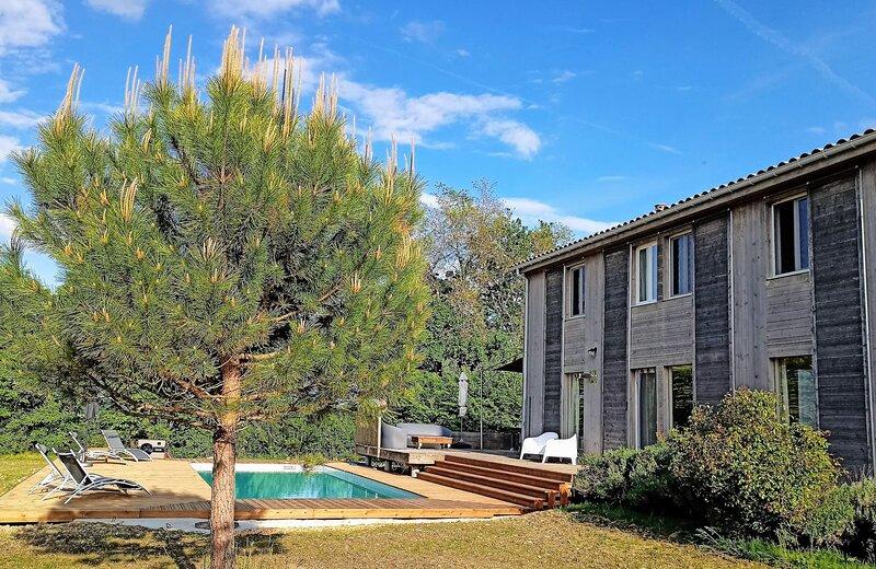 Maison les Terrasses : 4 étoiles - 4 chambres climatisées - piscine chauffée, holiday rental in Villereal