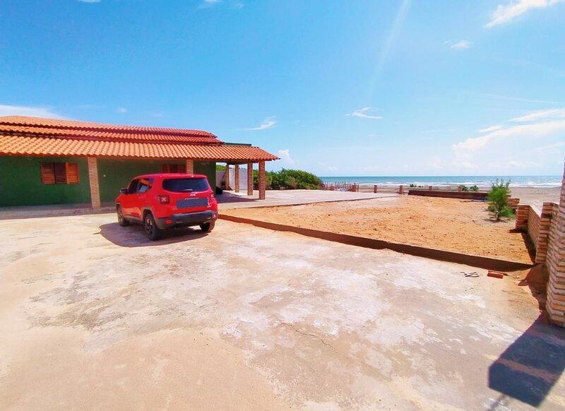 Bikanca's Beach- Casa de praia de frente pro mar, holiday rental in Parnaiba