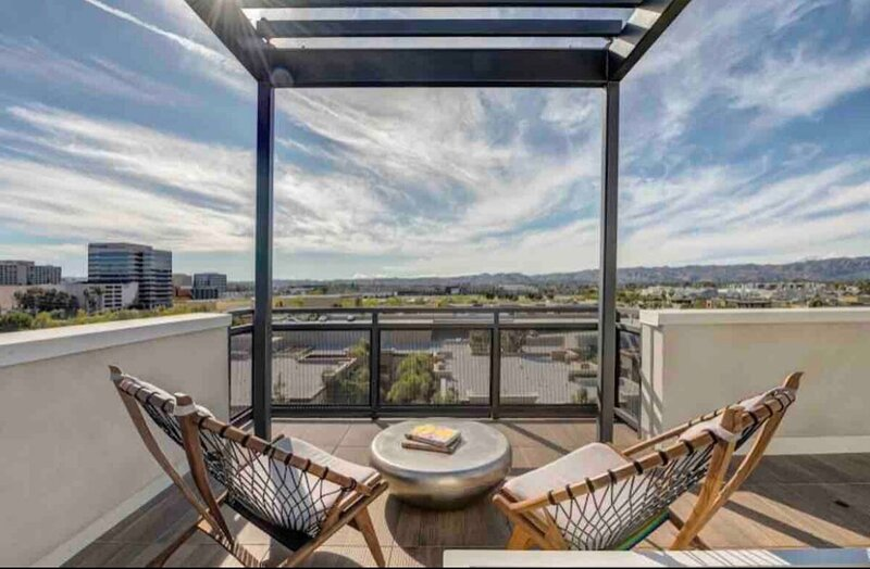 Unique Luxury Apartment, holiday rental in Bell Canyon