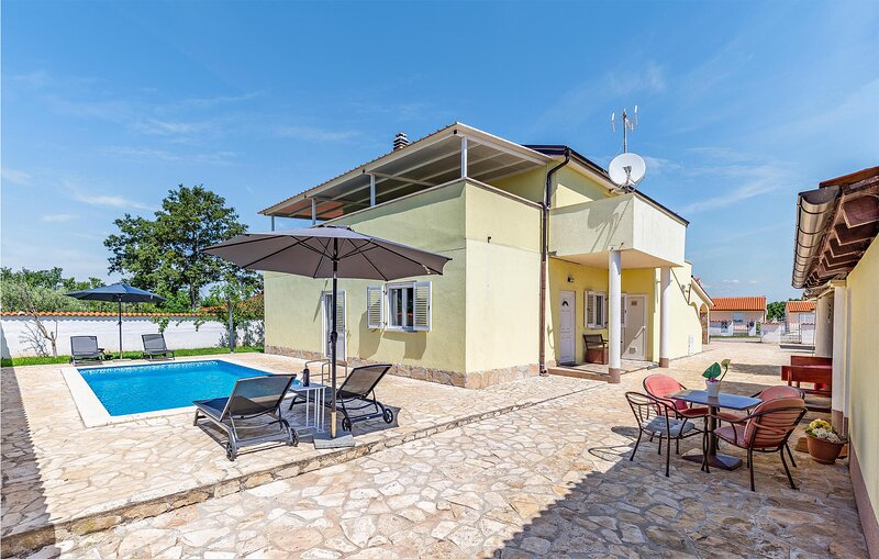 Awesome home in Pula with WiFi and 1 Bedrooms (CIZ333), alquiler de vacaciones en Sisan
