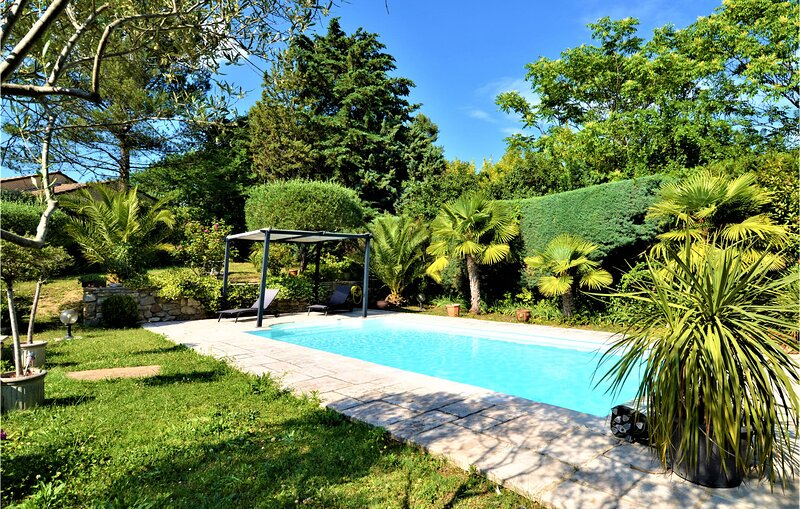 Amazing home in St Privat des Vieux with Outdoor swimming pool, WiFi and 4 Bedro, holiday rental in Brouzet-les-Ales