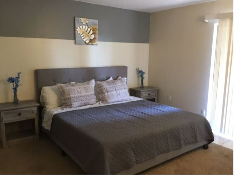 2 Bed/ 1 Bath efficiency Apartment- Close to Downtown!, holiday rental in Ooltewah