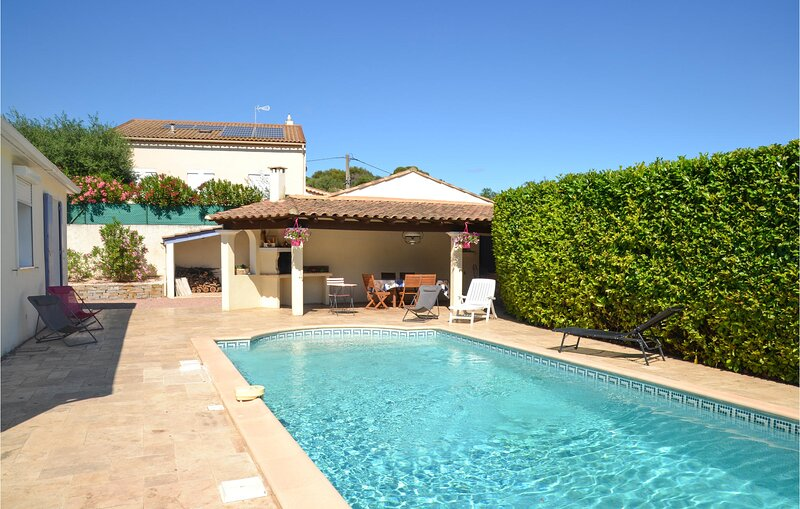Amazing home in Montagnac with WiFi and 2 Bedrooms (FLH260), vacation rental in Usclas-d'Herault