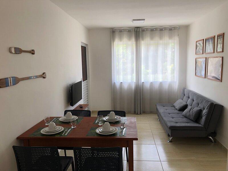 A 201- Apartamento pavimento superior em Monte Gordo - Região de Guarajuba, alquiler vacacional en Guarajuba
