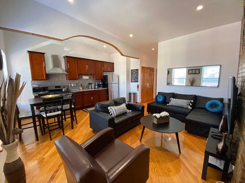Amazing 2-Bedroom Brownstone Apt., alquiler de vacaciones en Brooklyn
