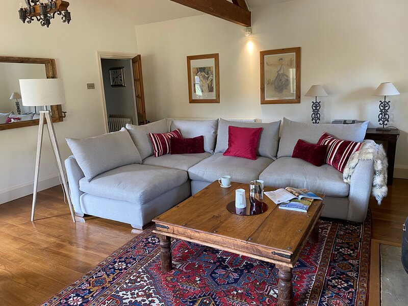 HOLLY BECK STABLES, holiday cottage, holiday rental in Markington