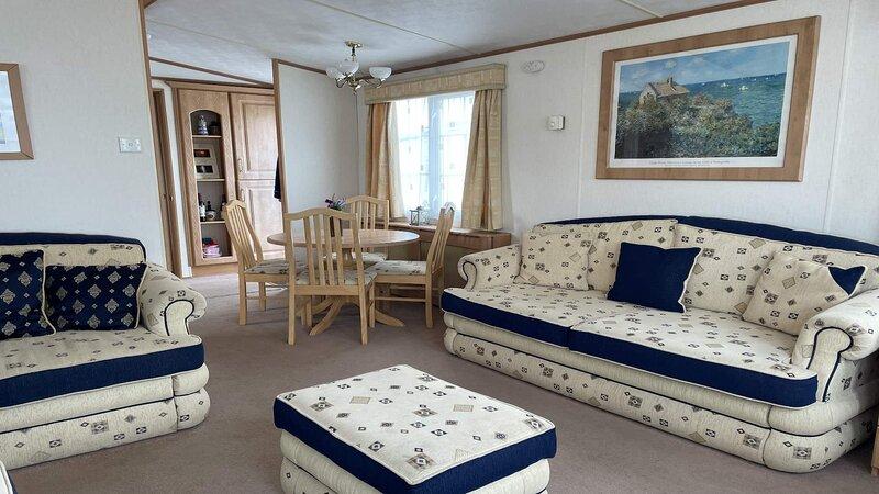 55 Bayside Cove Pevensey Bay Holiday Park 2 Bedroom Sleeps 4, holiday rental in Pevensey