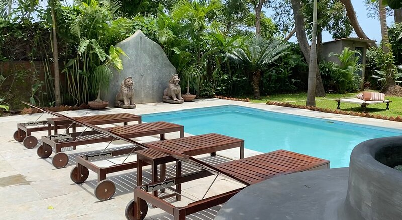 VILLA LOU GOA 1903 Old Portuguese House with Pool, holiday rental in Verla Canca