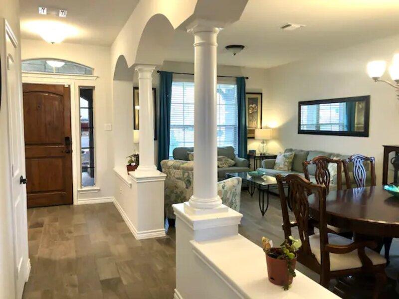 Casa Verona- spacious 5 br/ 3.5 ba in H Heights, location de vacances à Morgan's Point Resort