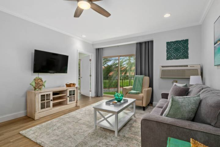 Just Listed - Fresh, Free Wifi and Parking 617, vacation rental in San Marcos