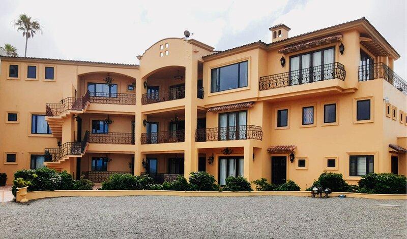 TRADITIONAL HOUSE LOS CRUZ, holiday rental in La Mision