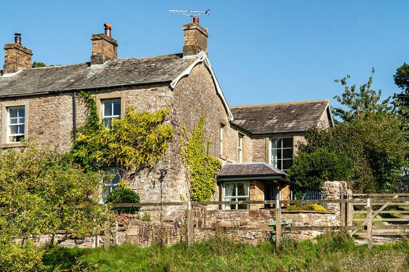 Brookside Cottage, holiday rental in Little Strickland
