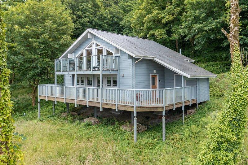 Lodge 5 Longbury - Luxury Lodge, Woodland Views, Restaurant and Spa Facilites, alquiler de vacaciones en Tenby