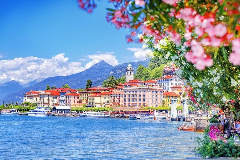 The Pearl of Lake Como-outstanding villa A meeting point of grand design&comfort, holiday rental in Civate
