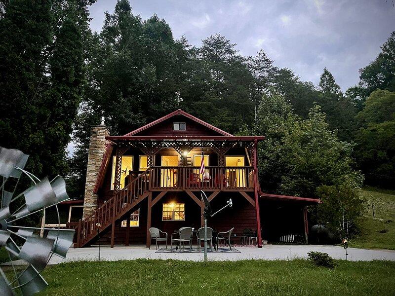 Rock Right Inn to Solitude Nature and Views, alquiler de vacaciones en Cosby
