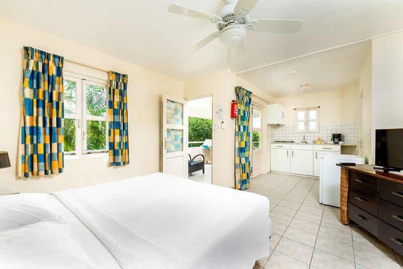 Spacious Studio Caribbean Club, holiday rental in Sabadeco