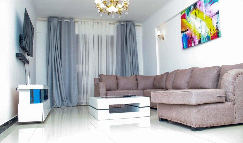 Spacious 3BR 3.5Bath Apartment in Kilimani. Pool, GYM, Security, Parking, alquiler de vacaciones en Lavington