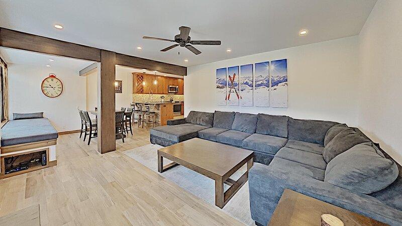 Flooring,Ceiling Fan,Living Room,Indoors,Room