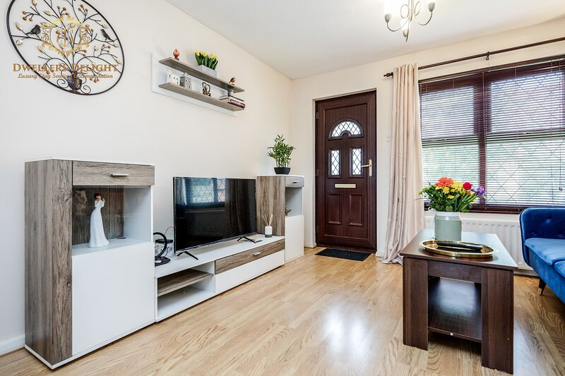 ✪Woodford ✪ 2 Bed House ✪ 20% Off✪ Free Parking, holiday rental in Chigwell