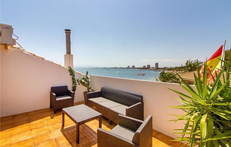 Beautiful apartment in San Pedro del Pinatar with WiFi and 3 Bedrooms (ECC963), aluguéis de temporada em Lo Pagán