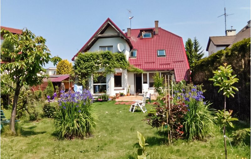 Beautiful apartment in Kolobrzeg with 3 Bedrooms (PPO791), holiday rental in Grzybowo