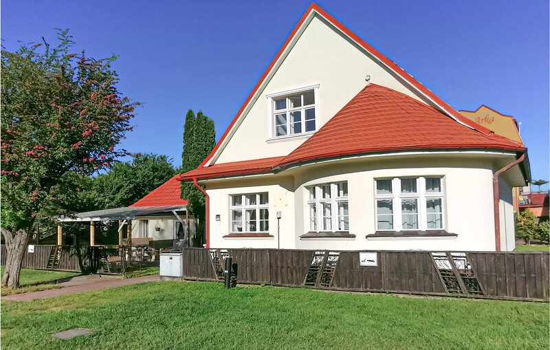 Amazing home in Dartówko with 5 Bedrooms (PPO795), holiday rental in Dabki