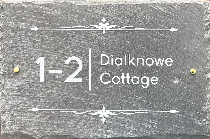 No. 1/2 Dialknowe Holiday Cottage, holiday rental in Thankerton