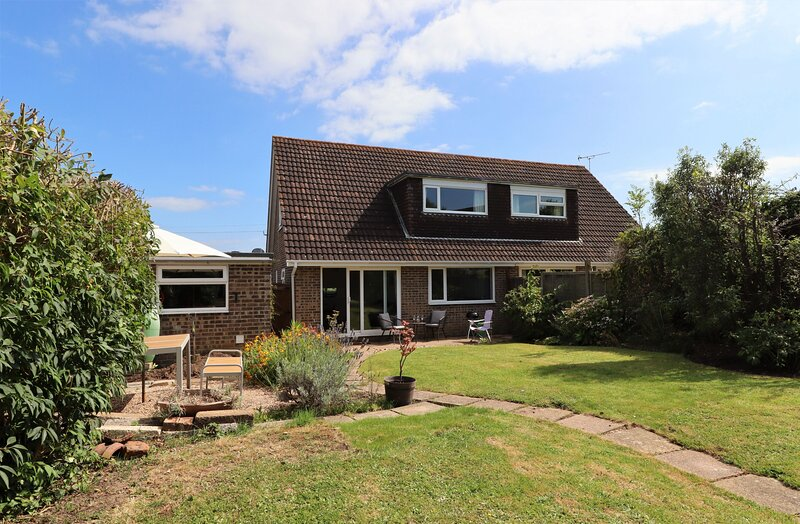 Budleigh, vacation rental in St Helens