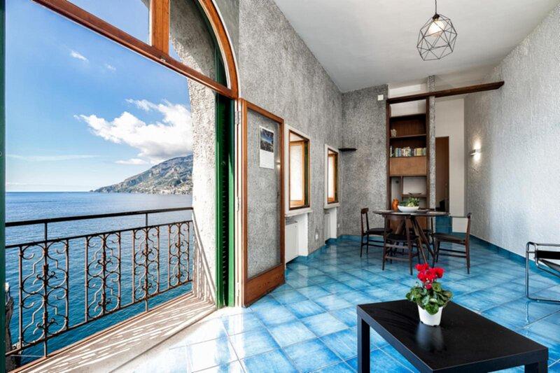 Milena Tower - Maiori , Amalfi Coast, location de vacances à Maiori