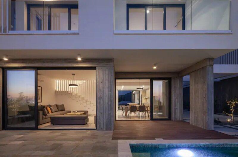 Avalon 1 Villa 14, aluguéis de temporada em Emba