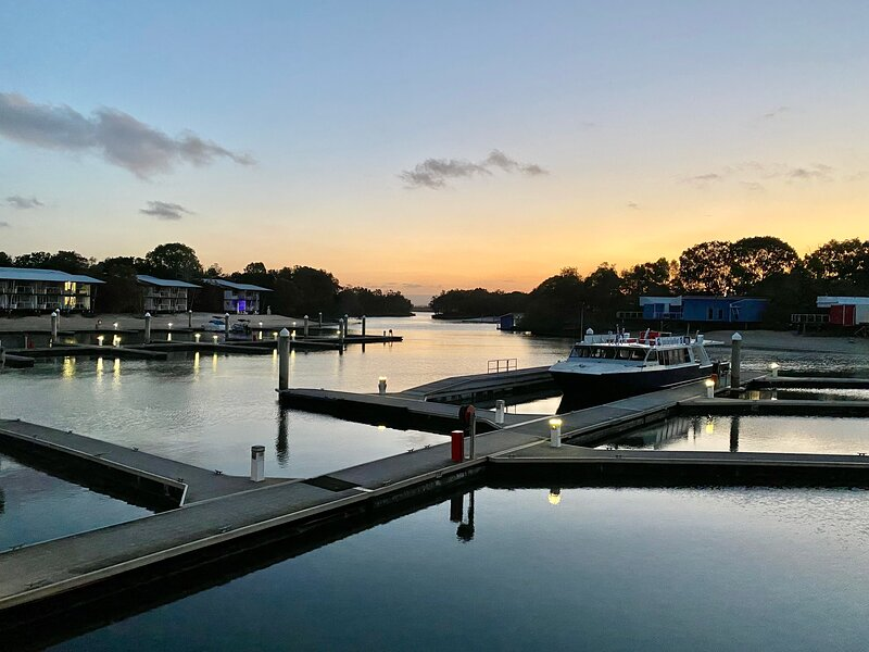 STUDIO APARTMENT – COURAN COVE - THE PERFECT ISLAND ESCAPE AWAITS YOU, holiday rental in Upper Coomera